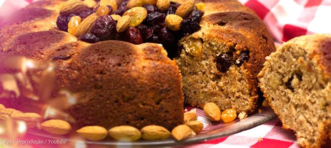 Aprenda a fazer 'Caketone' (bolo de panetone) vegano para incrementar as ceias de fim de ano